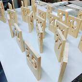 ✏️Al taller som especialistes en treballar i mecanitzar fusta, ja sigui amb tall i gravat làser, CNC o manualment amb altres màquines especialitzades. Si necessites alguna peça personalitzada no dubtis en demanar-nos un pressupost sense compromís!👩🎨 . #woodworking #wood #lasercutting #laserengraving #workshop #cortealaser #madera #taller #maquette #prototype